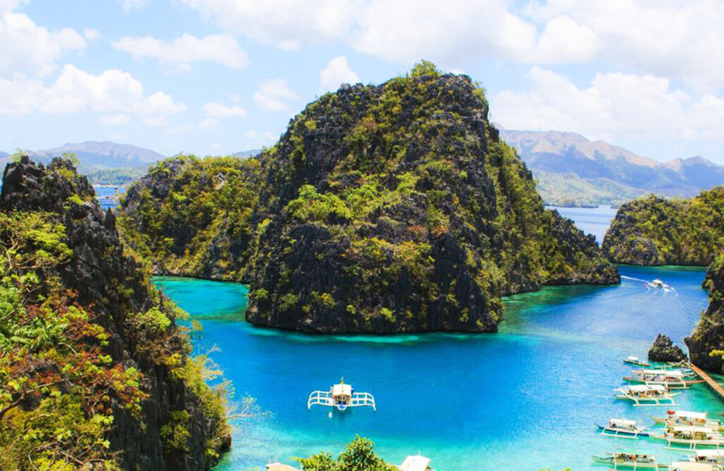 Beautiful places to travel-  coron-bay
