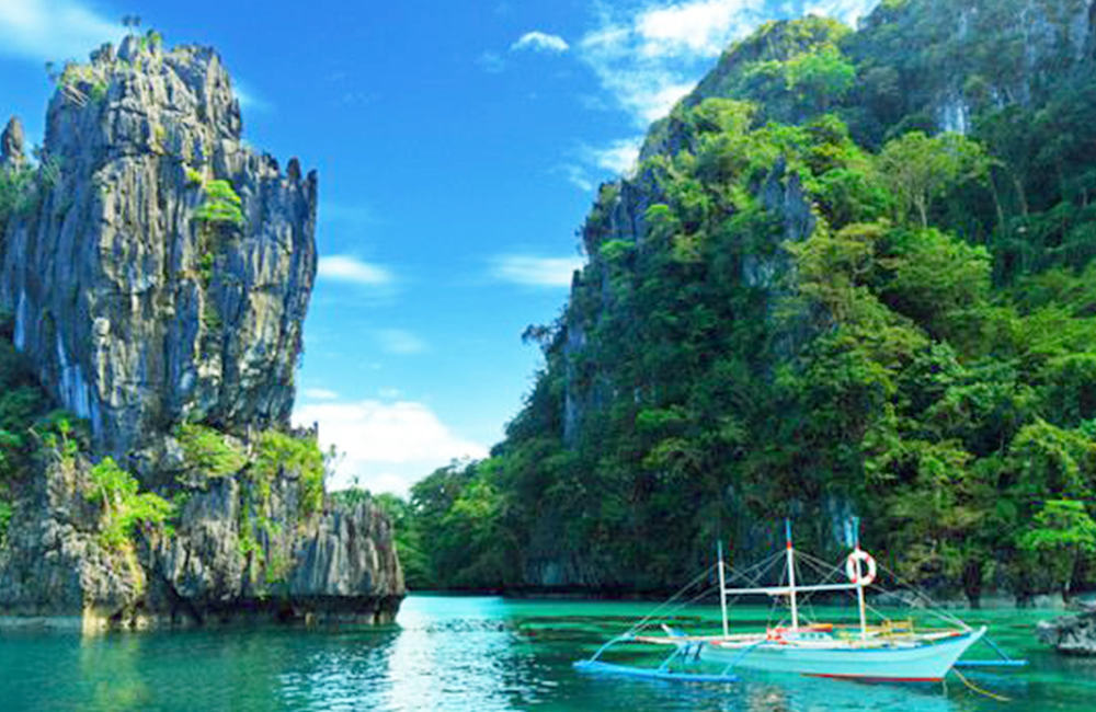 Beautiful places to travel-El Nido view